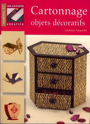 Livre sur les meubles et objets en carton livres for Livre meuble en carton
